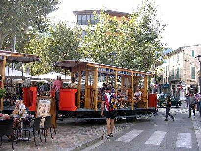 Soller tram service leaving for Port de Soller