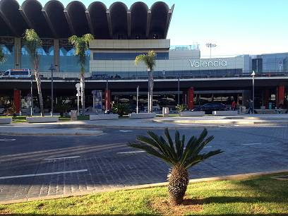 how to get from valencia airport to city centre